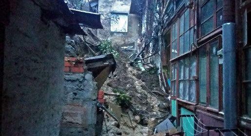 В Ялте пострадавшим от обрушения опорной стены в пер. Ломоносова выделено временное жилье