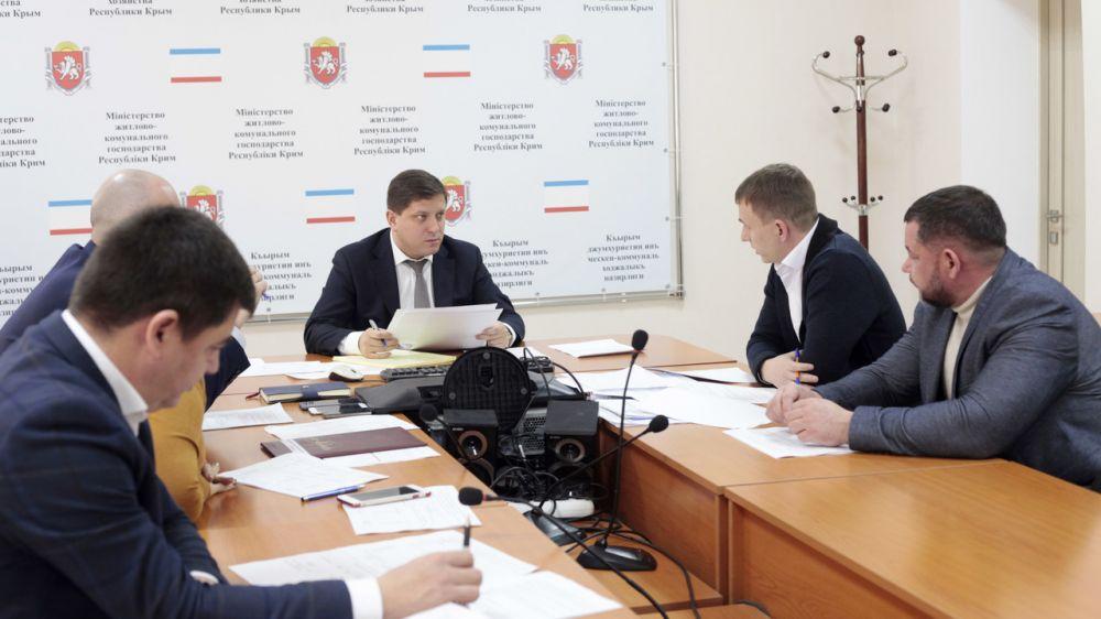 Дмитрий Черняев поставил неудовлетворительную оценку работе «Регионального фонда капитального ремонта многоквартирных домов Республики Крым»