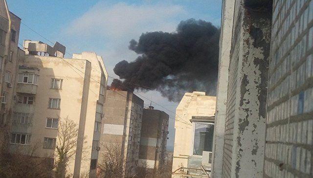 Власти готовы временно переселить жильцов дома в Щелкино, где горела кровля