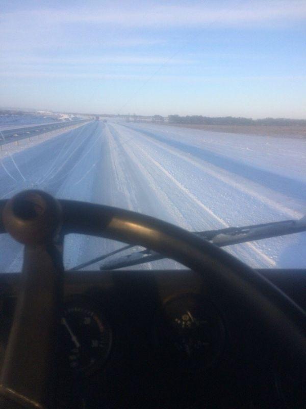 """""""Тавриду"""" опять сковало льдом: водители возмущены, подрядчик уже не грозит увольнениями, , ВИДЕО"""