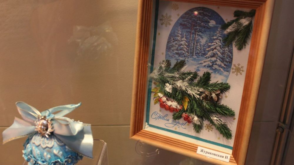 В Крымском этнографическом музее экспонируется выставка декоративно-прикладного творчества «Красота зимнего узора»