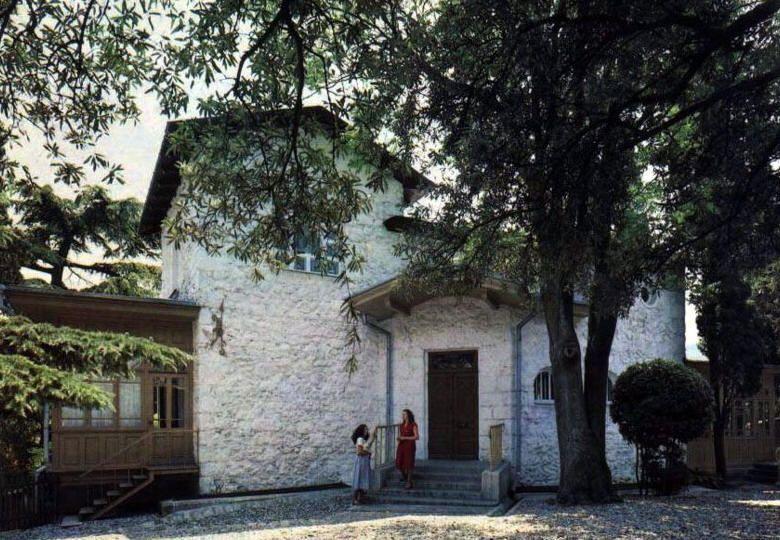 Кабинет писателя в ялтинском доме-музее Чехова пострадал из-за протекания крыши
