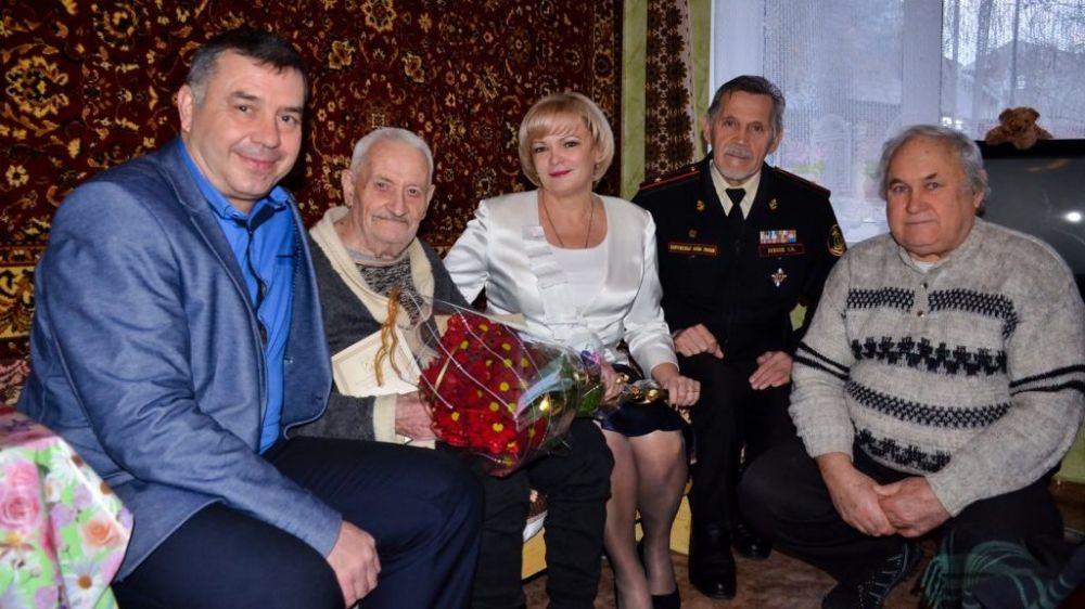 Ветеран ВОВ Борис Попов отметил 97-летие