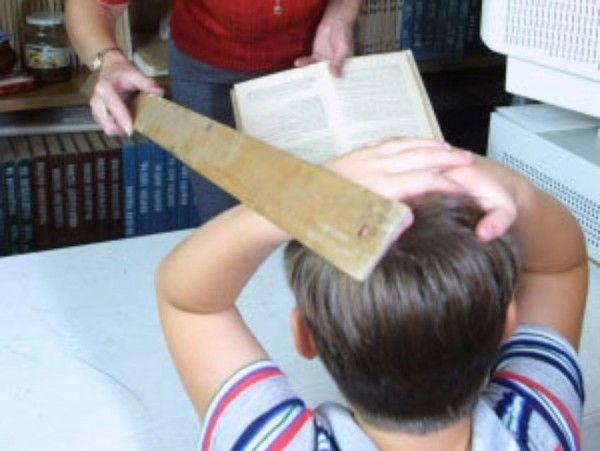 Учительница избила девочку на уроке