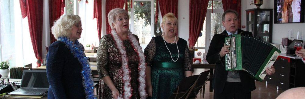 В Алупке прошел творческий вечер народного хора «Славянка»