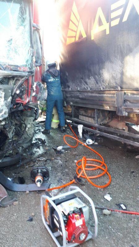 В Симферополе на мосту столкнулись фура и грузовик, , ВИДЕО