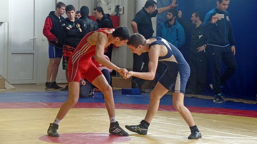 Все победители и призеры первенства Крыма по вольной борьбе среди юниоров до 21 года