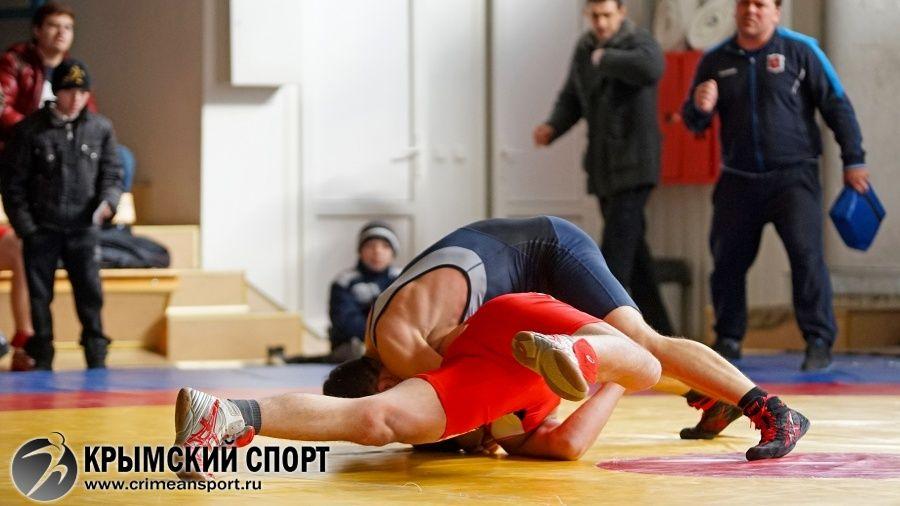 Все победители и призеры первенства Крыма по греко-римской борьбе среди юниоров до 21 года