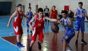 Керчане после четвёртого тура сохранили лидерство в юношеском баскетбольном первенстве Крыма