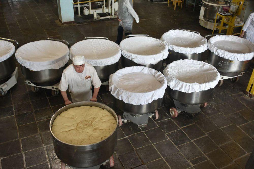 «Крымхлеб» в месяц выпускает около 260 тыс буханок социального хлеба, — Андрей Рюмшин