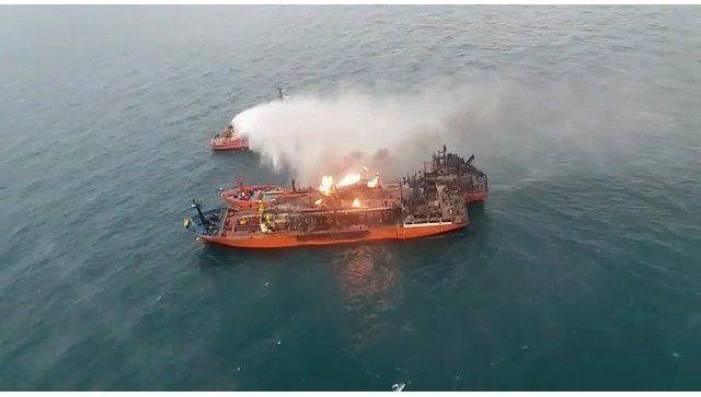 Спасатели приостановили поисковую операцию на месте ЧП в Черном море