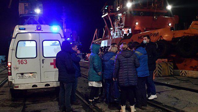 Все спасенные моряки вышли с буксира в Керчи