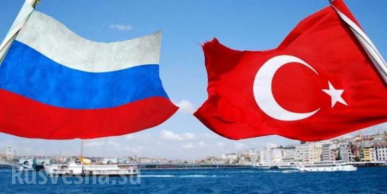 Международное уважение: крымчане не мешкая помогли туркам с горящих судов в Чёрном море