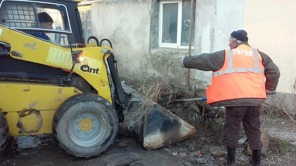 МБУ «Город» продолжает работу по санитарной очистке симферопольских улиц