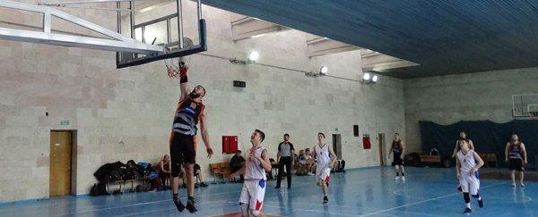 Ялтинские команды добились двух побед в баскетбольном чемпионате Крыма