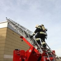 Симферопольские огнеборцы провели тренировку в торговом центре «Ашан»