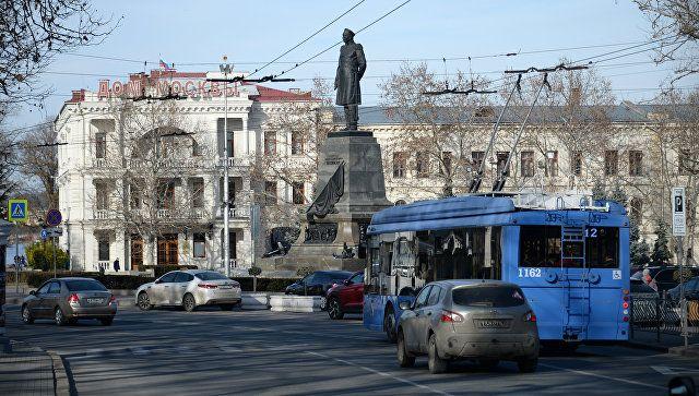 Табу на проезд и парковку: где и когда в Севастополе ограничат движение