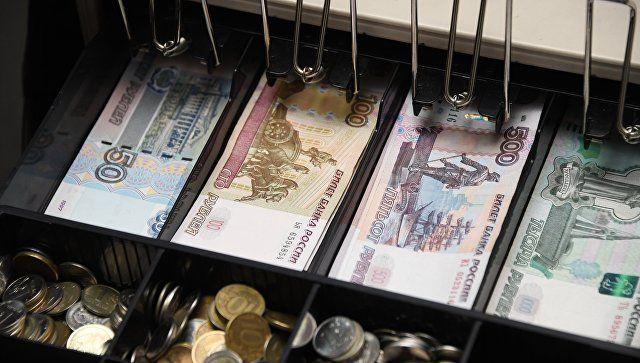 """В Симферополе продавец-стажер """"тянул"""" из магазина товар и деньги"""