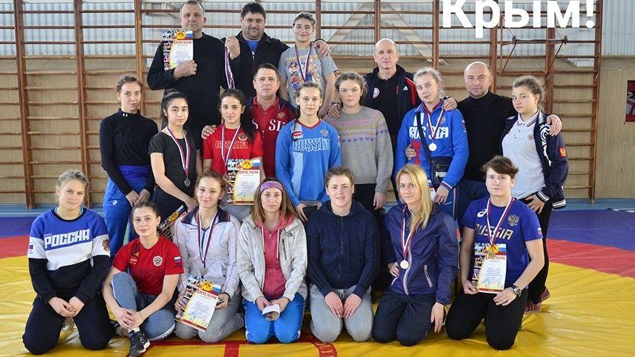 Объединенная сборная Крыма и Севастополя по женской борьбе завоевала 14 медалей на окружных соревнованиях в Краснодарском крае!