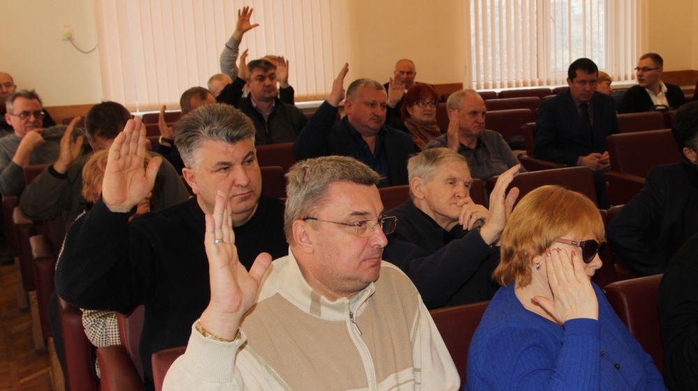Депутаты Феодосии внесли изменения в бюджет текущего года
