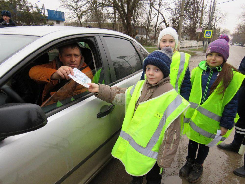В Советском районе водителей призывали использовать автокресла при перевозке детей