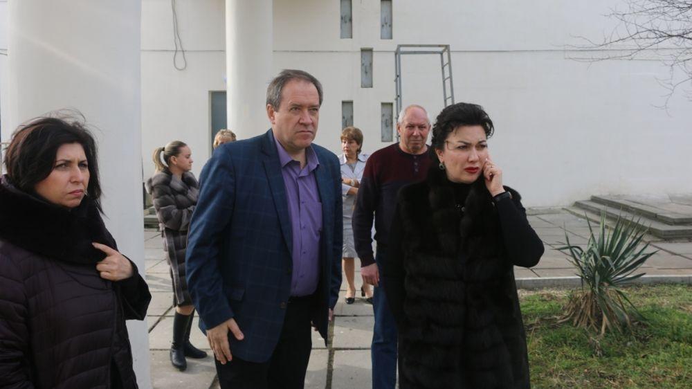 Арина Новосельская с рабочим визитом посетила Симферопольское музыкальное училище