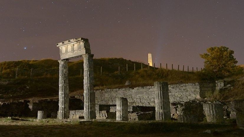 В Крыму демонтировали античные колонны Пантикапея