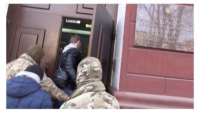 """Суд в Симферополе арестовал задержанных членов """"Хизб ут-Тахрир аль-Ислами""""*"""
