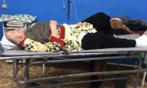 Как врачи примотали к сломанной ноге пенсионерки швабру