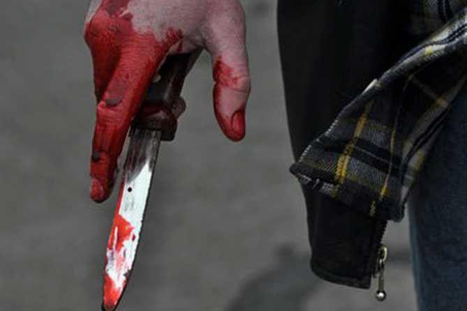 Один из посетителей бара в Севастополе погиб от ножа своего «коллеги», второй тяжело травмирован