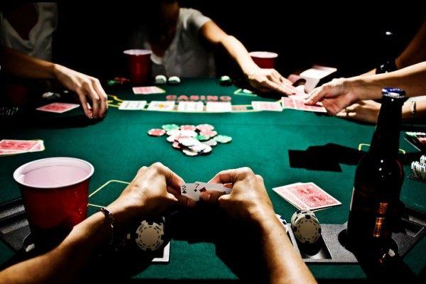 Крымчане организовали азартные игры с использованием интернета