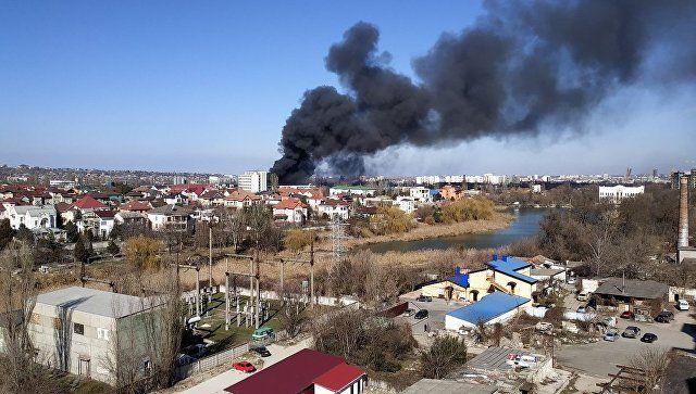 Огонь побежден: спасатели ликвидировали пожар на заводе в Симферополе