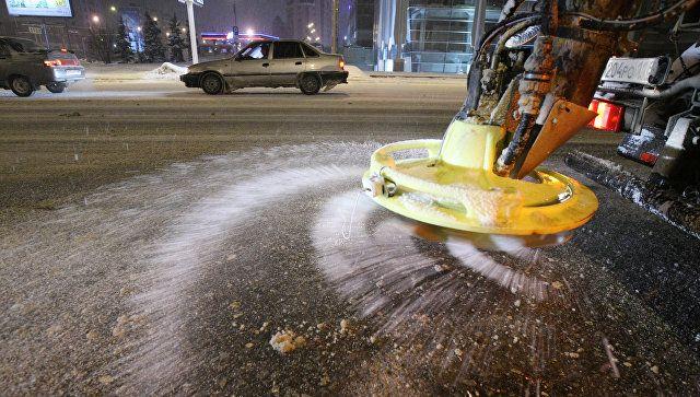 Круглосуточный режим работы: в Крыму и Севастополе технику подготовили к снегу