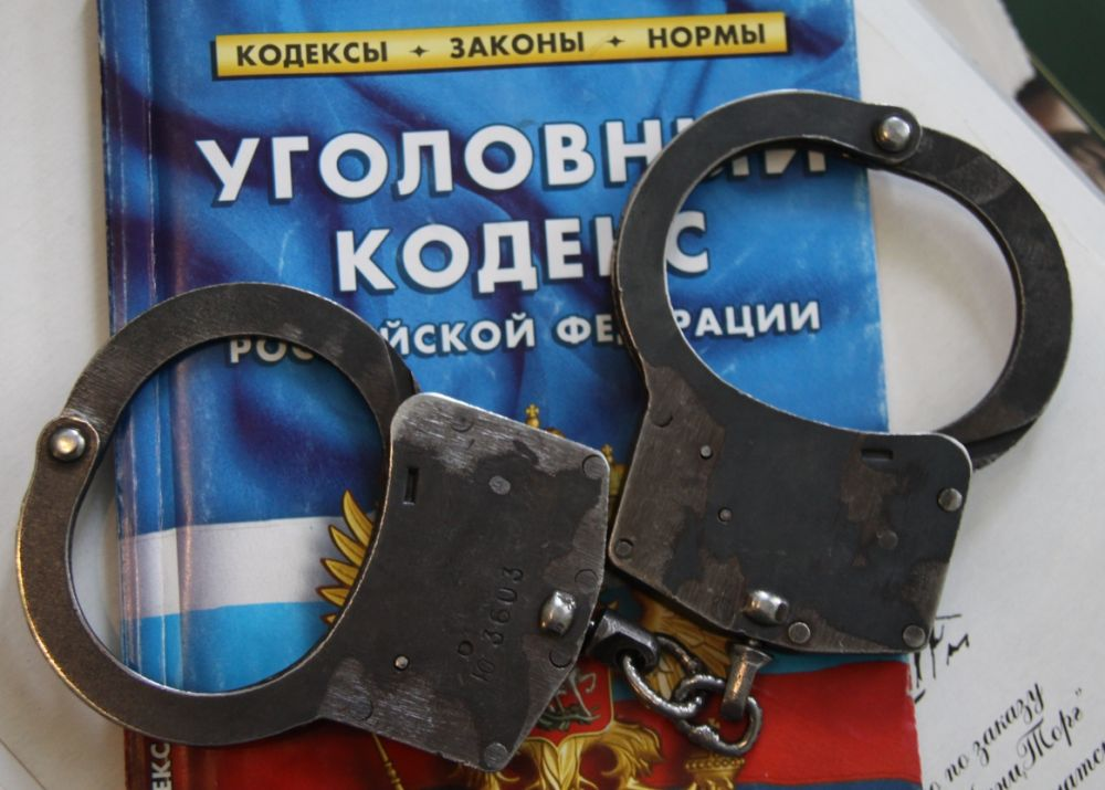 Бонни и Клайд из Крыма похитили алкоголь из магазина и товар из аптеки