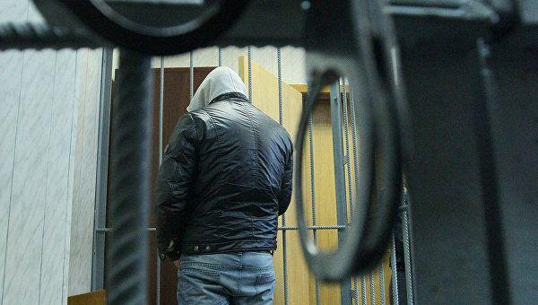 Ударил табуретом, швырнул сковородку: пьяный крымчанин избил сожительницу