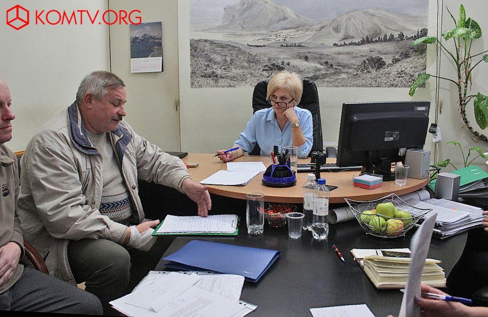 Главе феодосийского муниципалитета жаловались на проблемы Коктебеля и Тихой бухты