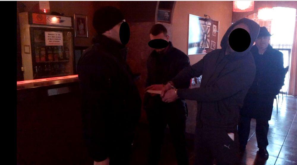 Севастопольцу, убившему человека в баре, предъявлено обвинение