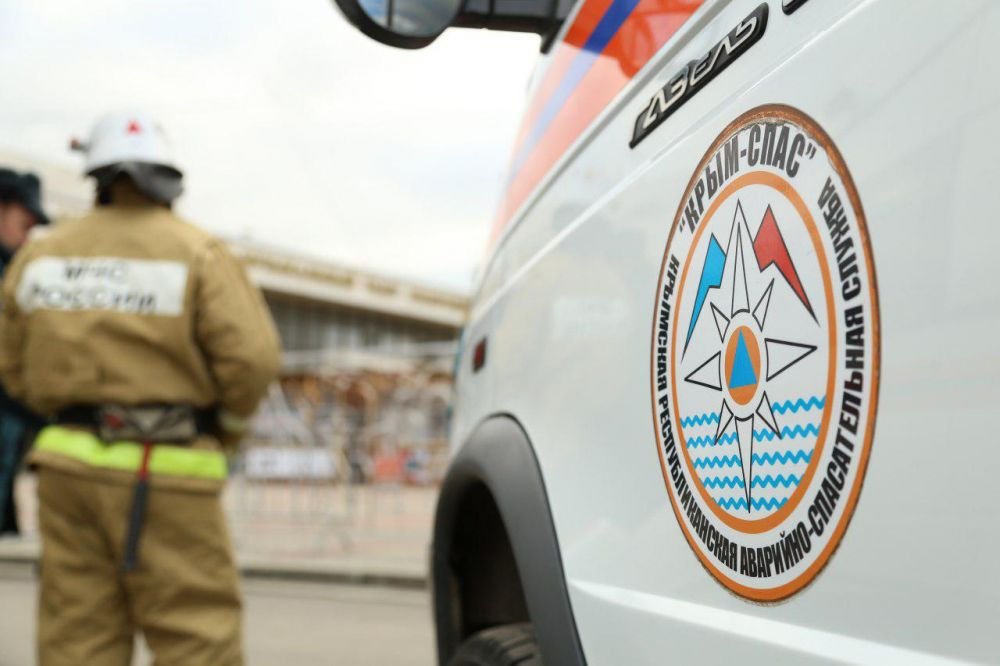 Жители Липецка на авто застряли в грязи Симферопольского водохранилища