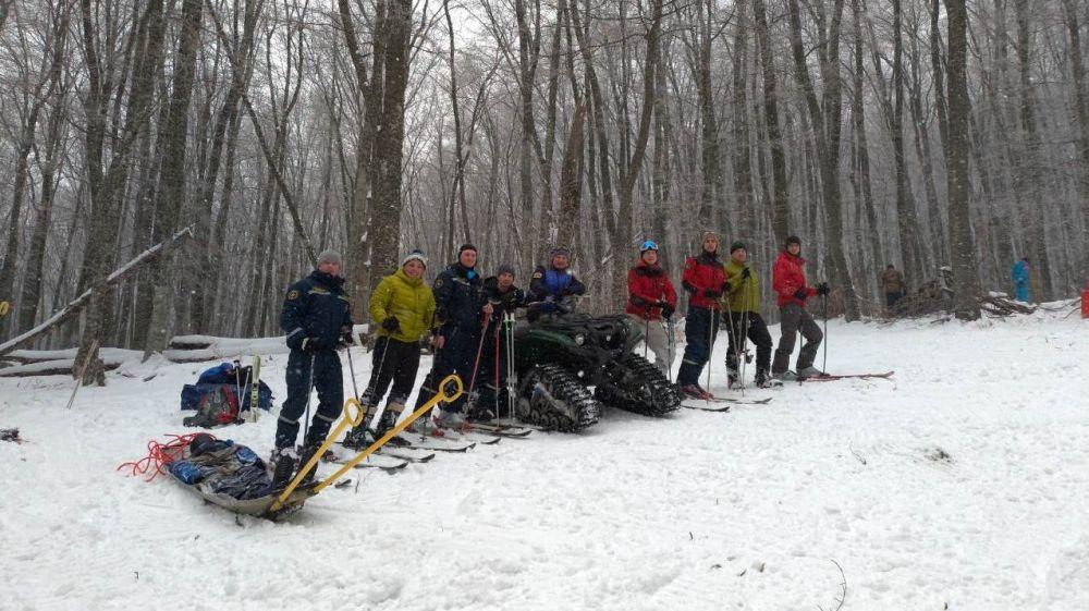 Сотрудники «КРЫМ-СПАС» провели учебно-тренировочное занятие по горно-лыжной подготовке