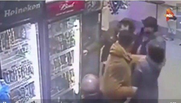 Продавщица «успокоила» пьяного мужчину кулаками