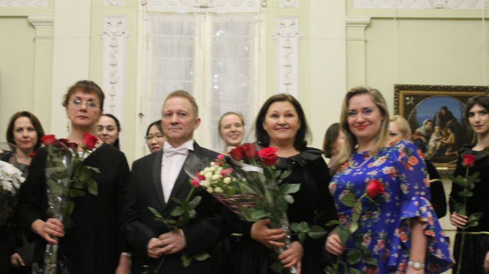 В Симферопольском художественном музее продолжаются музыкальные концерты