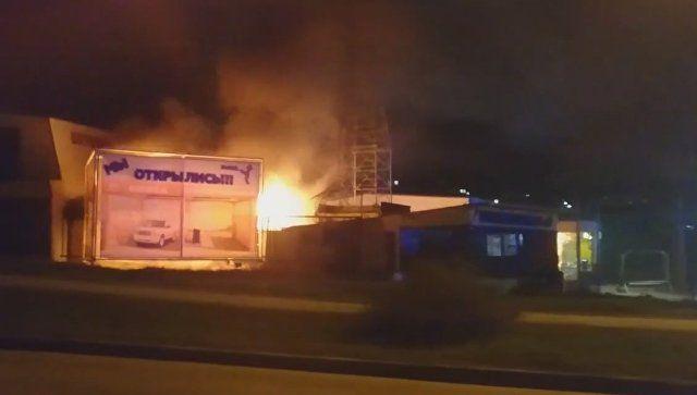В Севастополе ночью сгорел автосервис