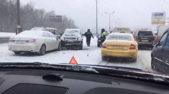 Массовое ДТП: 38 автомобилей врезались друг в друга