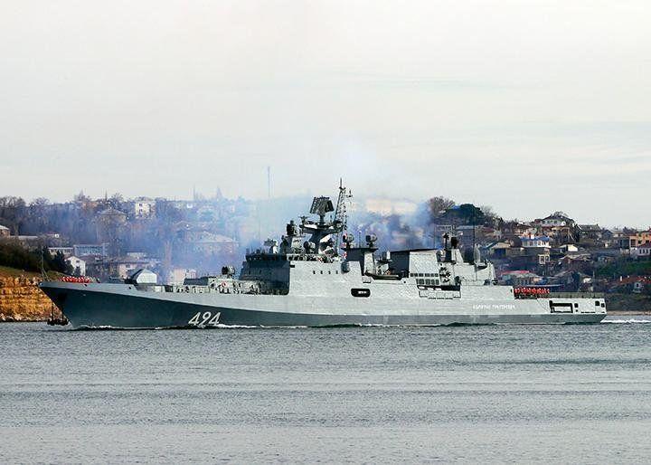 В Севастополе на корабле ЧФ умер военный