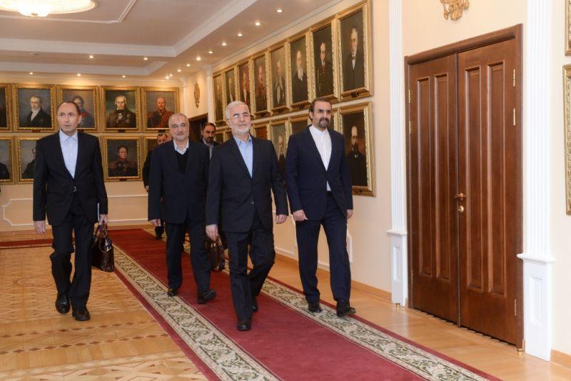 В Москве Владимир Колокольцев и Эскандар Момени обсудили вопросы российско-иранского сотрудничества в сфере противодействия наркоугрозе