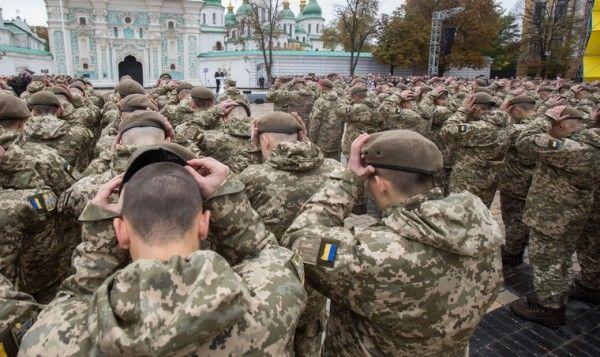 Стало известно, что украинских солдат якобы кормят просроченными консервами