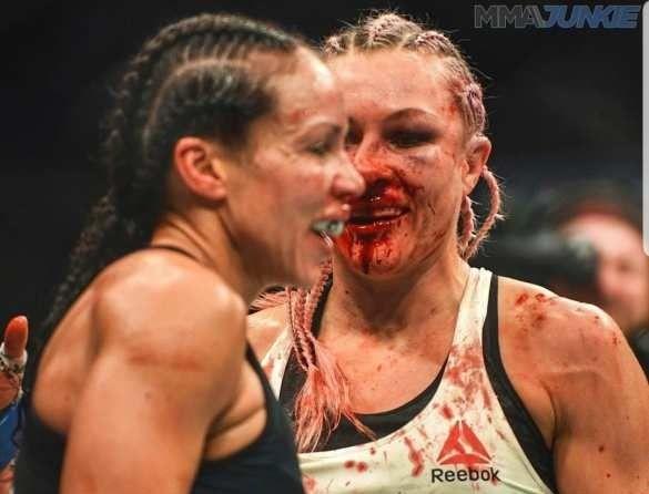 Россиянка со сломаным носом в жестокой схватке победила американкмкую спортсменку