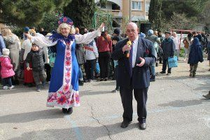 В Гаспре традиционными народными гуляньями отметили праздник Масленицу