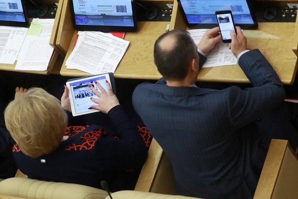 Мы спросили у севастопольцев: «Кто представляет город-герой в Госдуме РФ?»
