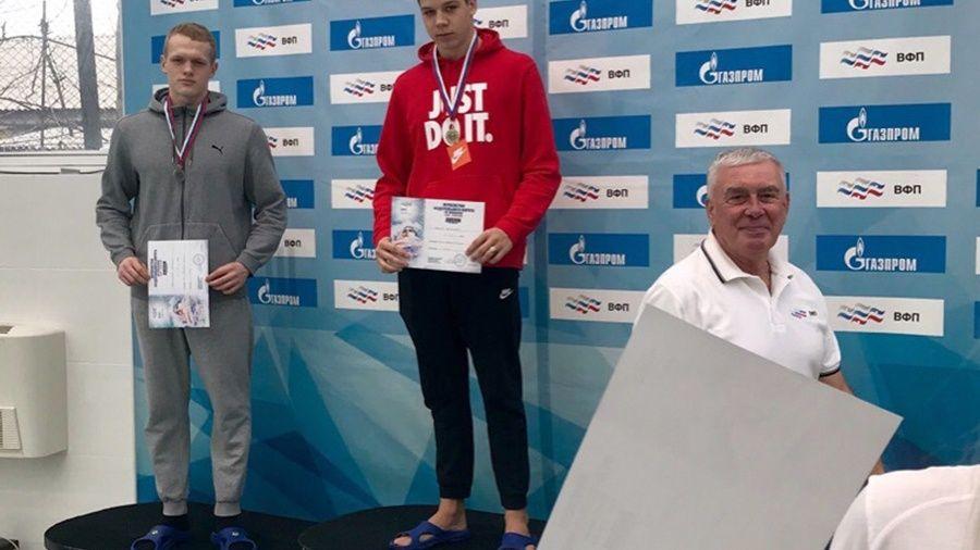 Крымские пловцы привезли семь медалей с окружных соревнований в Волгограде
